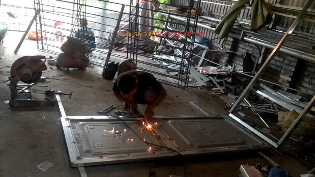 thợ hàn xì cửa sắt
